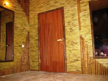 Правильный подбор обоев из бамбука для прихожей