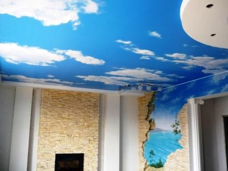 потолочные фотообои с изображением неба