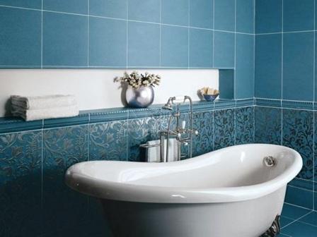 Что выбрать для отделки стен в ванной керамическую плитку или обои